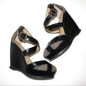 levity Shoes - Levity Cross Strap Closed Round Toe High Wedges